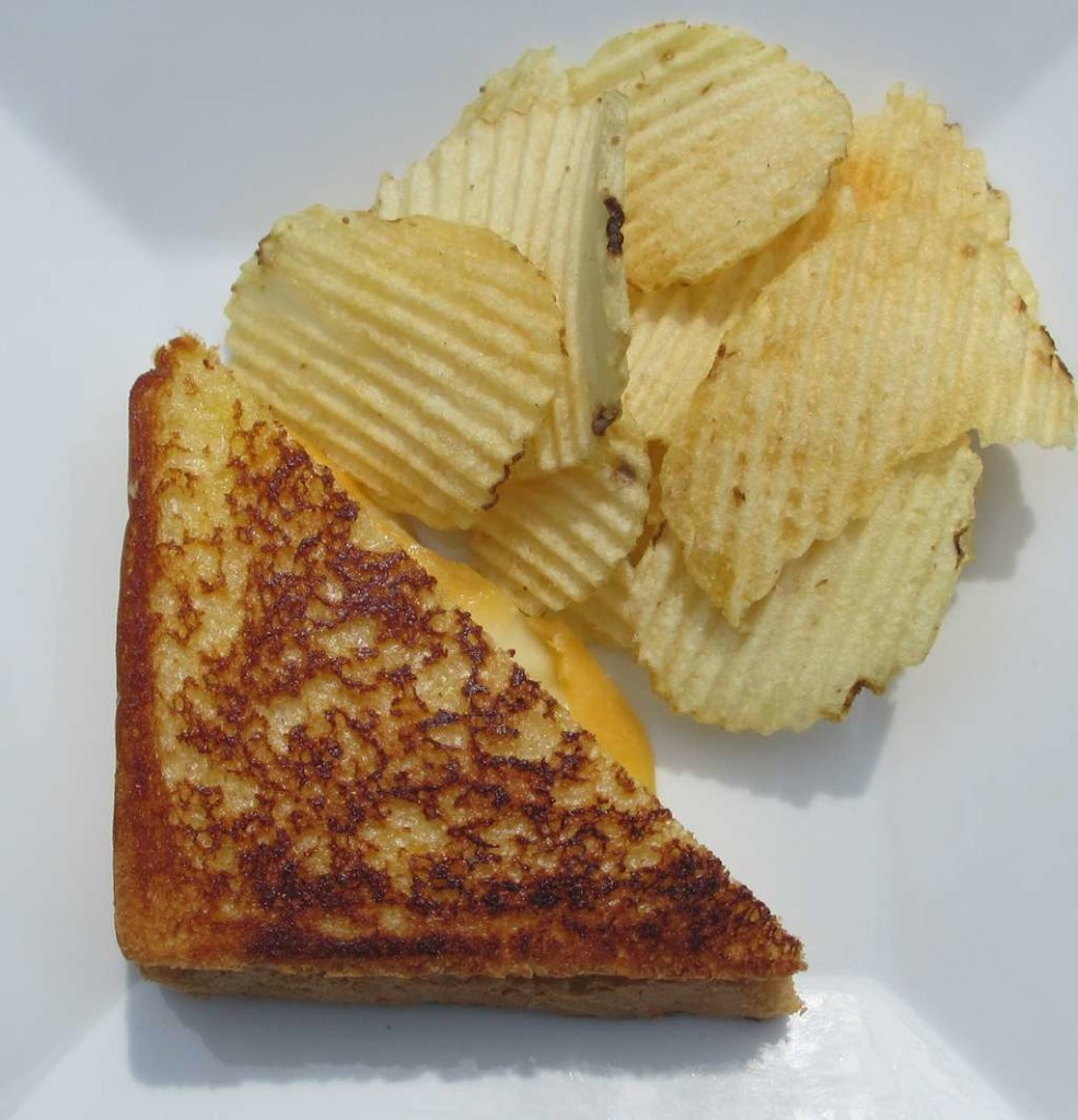 Grilled Smoked Cheese Sandwitch with Smoked Chips