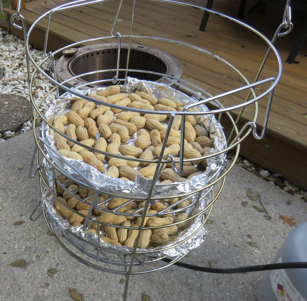 Roasted Peanuts on the Char-Broil Big Easy